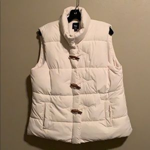 Gap women's off white toggle puffer vest XL